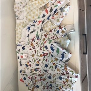Hanna Andersson lot of 5 3T, 90EU pjs